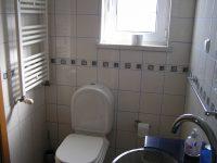 1. Bad mit Dusche